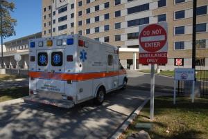ambulance-1334534-m